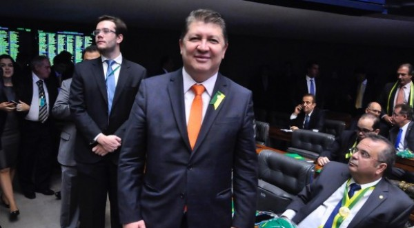 DEPUTADO JEFFERSON CAMPOS FILIA-SE AO PSB