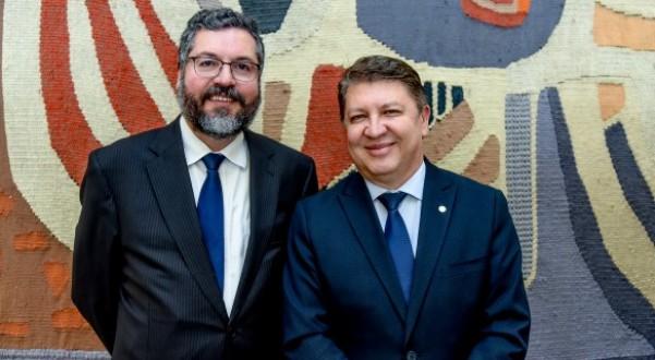 DEPUTADO REÚNE COM MINISTRO DAS RELAÇÕES EXTERIORES